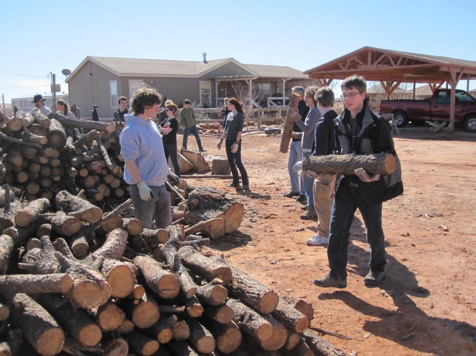 Keeping Warm In The Navajo Nation On Amizade