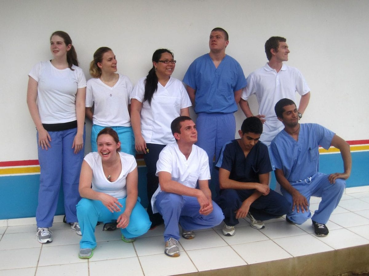 Amizade volunteers and Brazilian nursing students