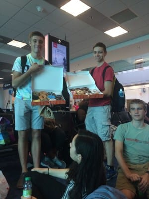 We were so excited to finally be on our way to La Paz that some even used our leftover meal vouchers to buy donuts for to give out to fellow travelers!