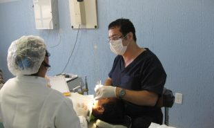 Amizade Volunteer Provides Dental Services in Brazil